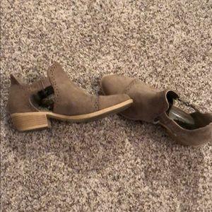 Qupid Sochi-41 booties. Size 7.